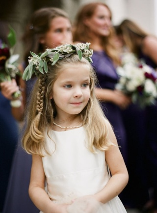 side braid flower girl hairstyle with flower hoops dreampurple.co.uk