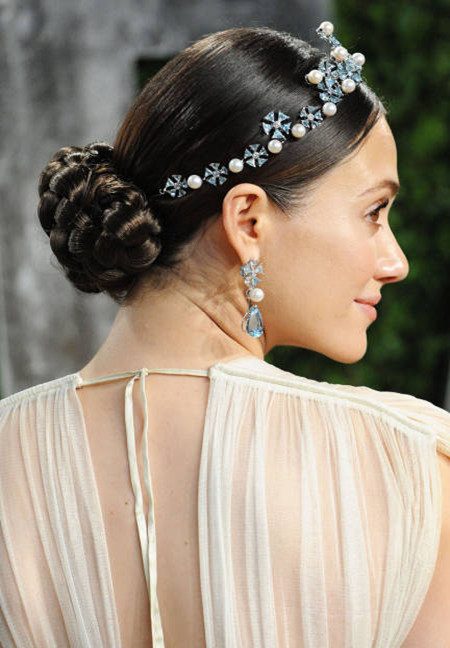 Versatile Buns of Wedding Hairstyles Brings Out Your inner Celebrity